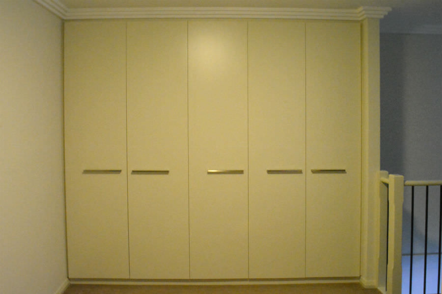 custom made Built in wardrobes. Custom made joinery and cabinet making.