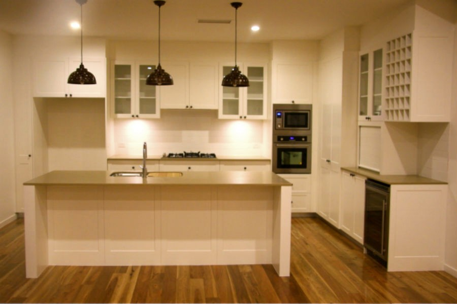 SHAKER STYLE KITCHEN WARRAWEE